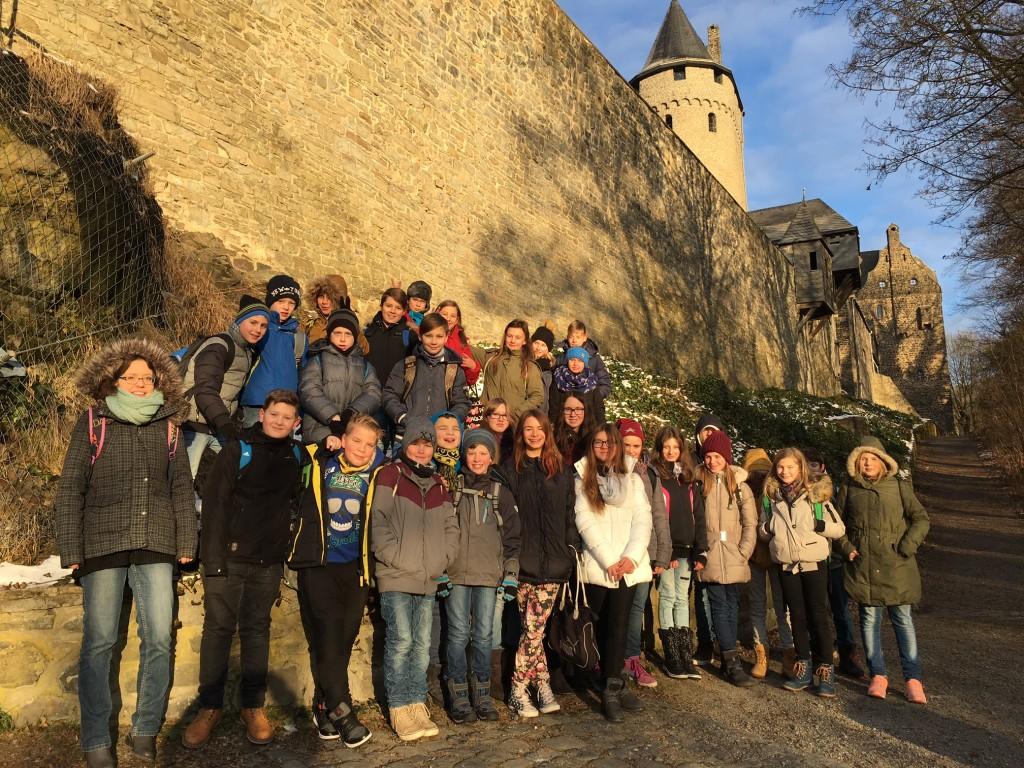 Klasse 6a auf der Burg Altena